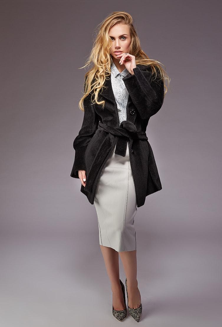 Модное черное полупальто Teresa Tardia из шерсти альпака