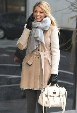 Двубортное приталенное пальто с шарфом
