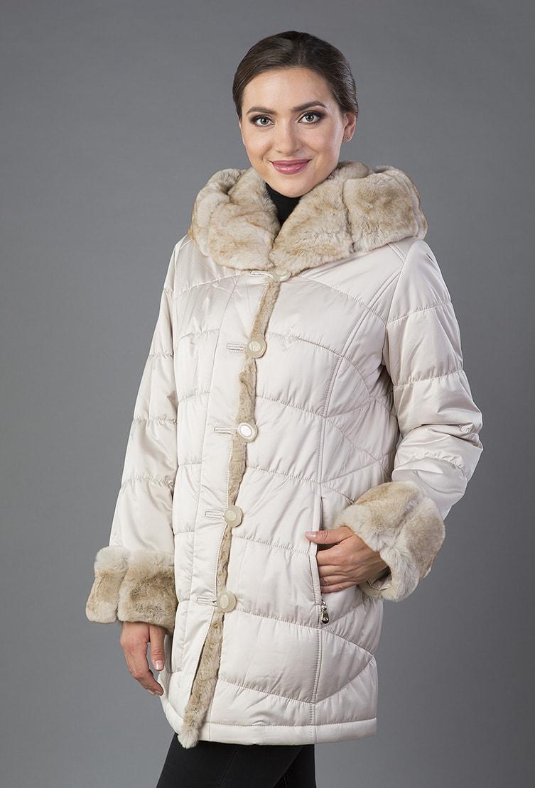 Укороченное пальто с мехом цвета слоновой кости