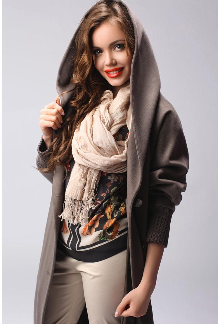 Женское пальто с капюшоном Teresa Tardia сезона осень-зима