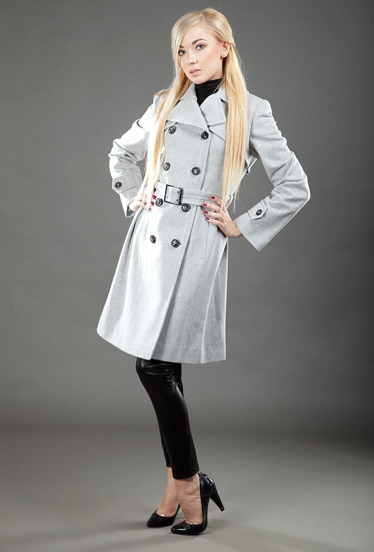 Двубортное женское пальто осень-зима серого цвета