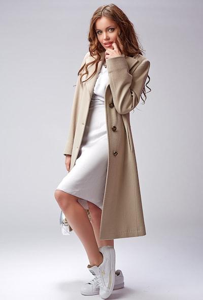 Классическое пальто бежевого цвета Teresa Tardia
