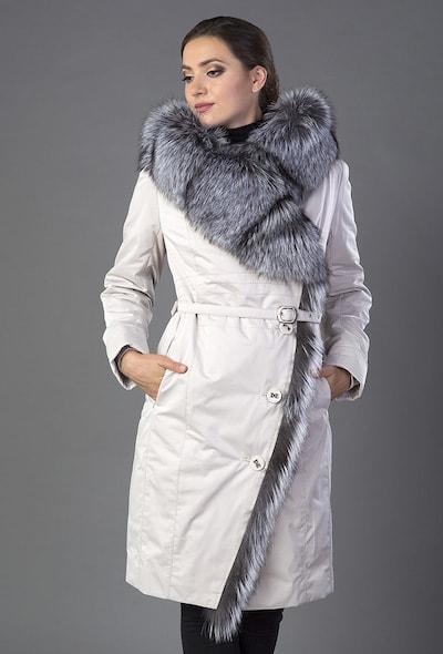 Элегантное пальто на меху с капюшоном