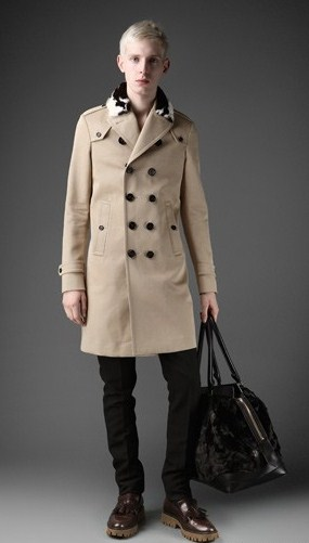двубортное мужское осеннее пальто.