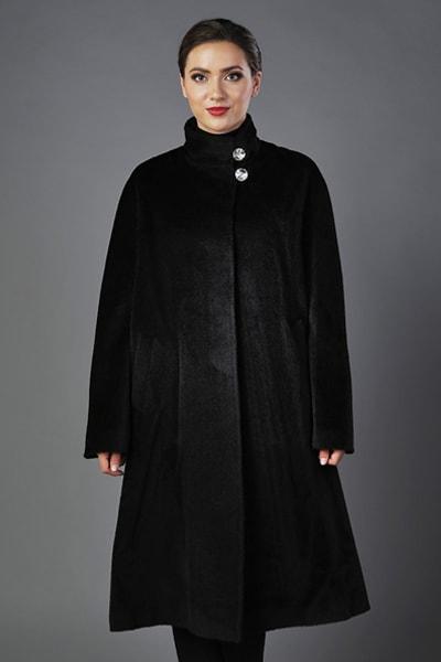 Элегантное черное пальто из бэби ламы