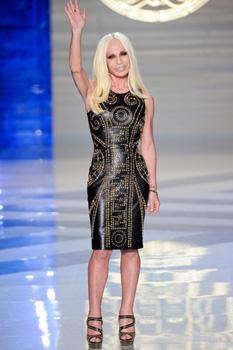 Donatella versace представляет свою коллекцию