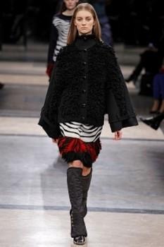 Женское пальто свободного силуэта из разнофактурной шерсти