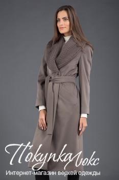 Длинное женское пальто от Teresa Tardia