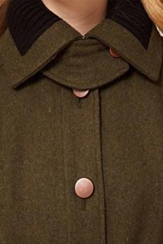 Воротник пальто, выполненный из шерсти и трикотажа