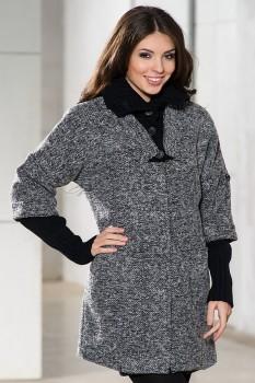 Модное пальто в стиле кэжуал в ахроматических оттенках