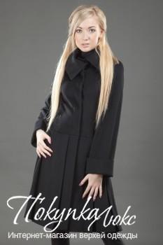 Пальто черное расклешенное