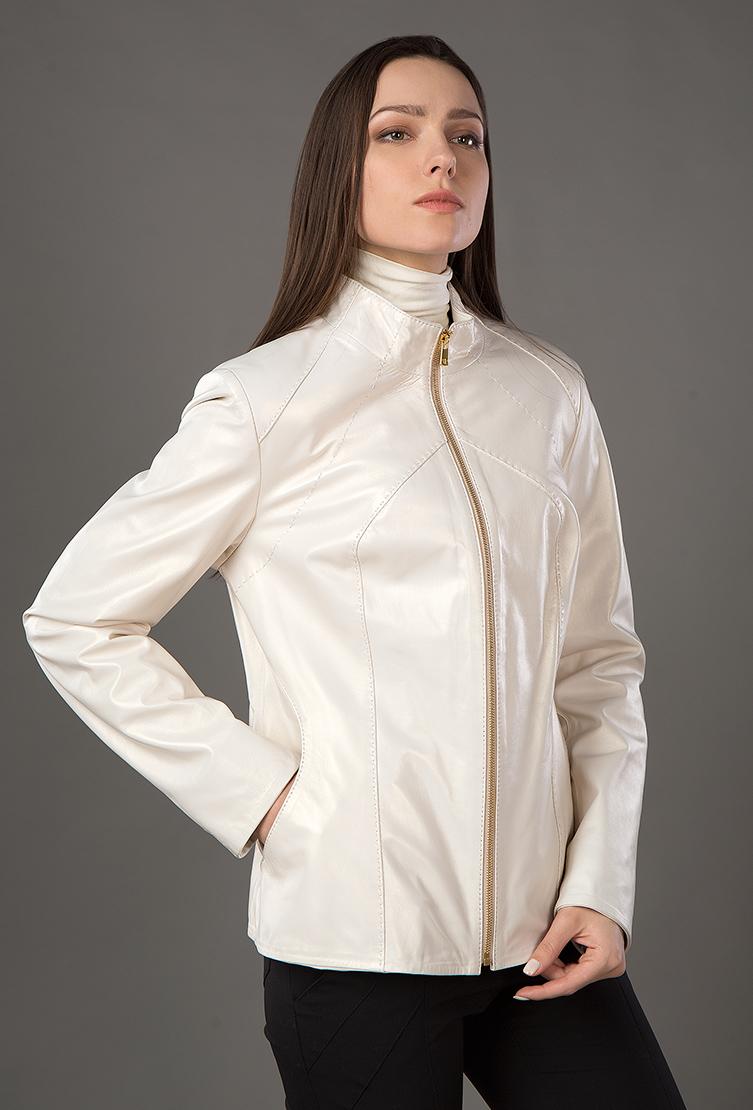 Куртка легкая женская кожаная из Турции для весныКуртки<br>Куртка легкая женская кожаная из Турции для весны<br>Цвет: белый; Размер: 44; Состав: Кожа натуральная, подкладка - 100% п/э; Материал: Кожа натуральная, подкладка - 100% п/э;