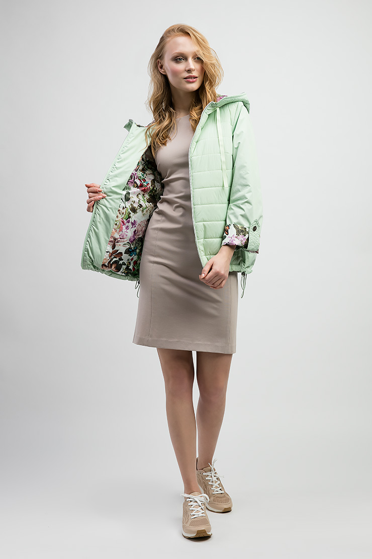 Модная женская куртка с яркой подкладкой ODRI 17410616/03-салатовый