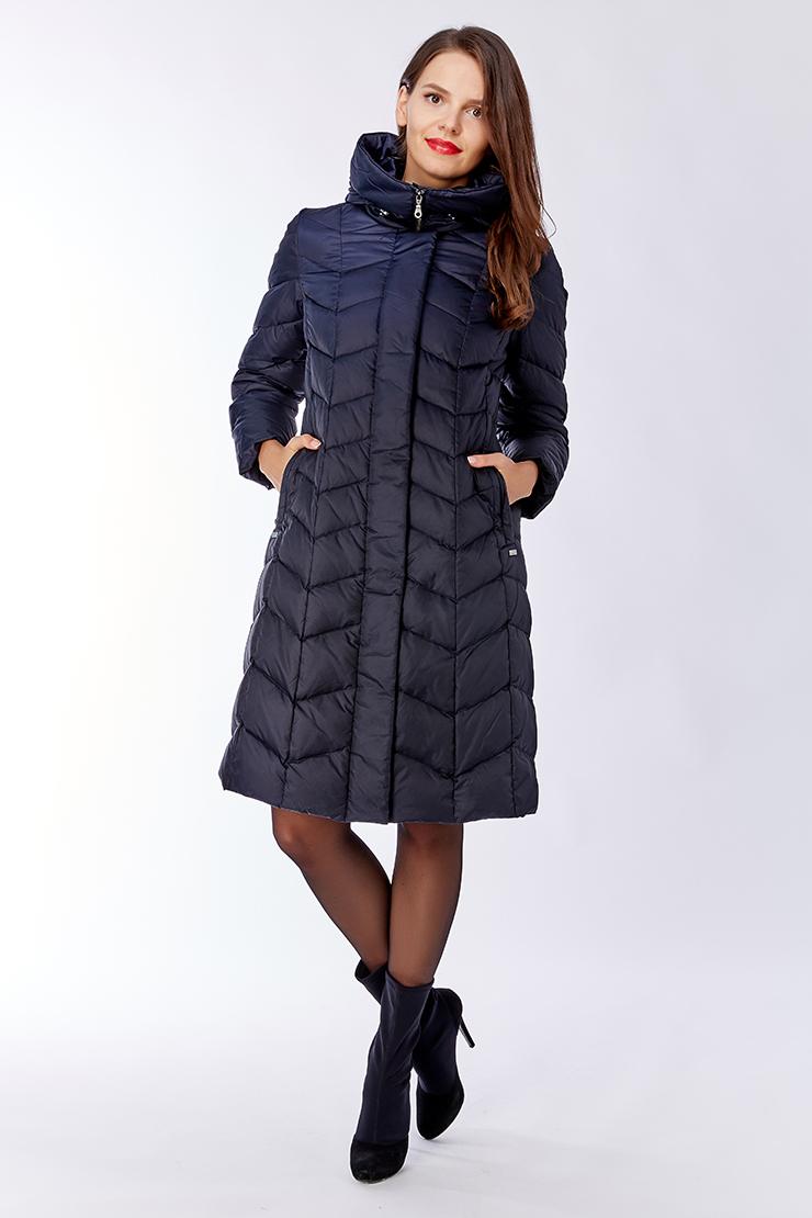 Длинное женское пуховое пальто с капюшономПуховики<br>Длинное женское пуховое пальто с капюшоном<br>Цвет: темно-синий; Размер: 44, 58; Состав: 100% п/э, подкладка 100% п/э, наполнитель 80% пух, 20% перо; Материал: 100% п/э, подкладка 100% п/э, наполнитель 80% пух, 20% перо;