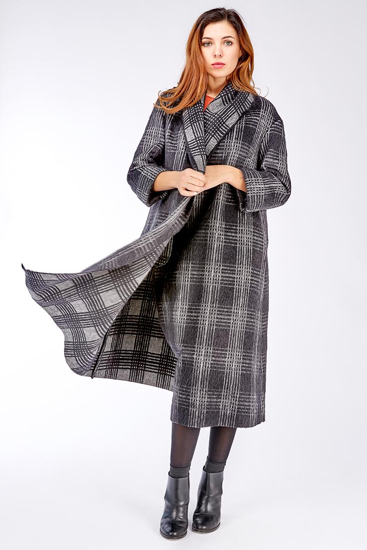 Женское пальто на большой рост из смесовой тканиПальто<br>Женское пальто на большой рост из смесовой ткани<br>Цвет: черный; Размер: 50; Состав: 52% шерсть, 28% мохер, 20% п/а; Материал: 52% шерсть, 28% мохер, 20% п/а;