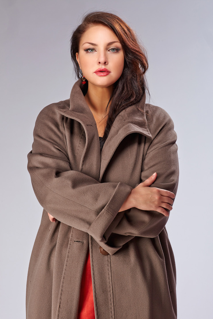 Осеннее женское пальто-кокон Teresa Tardia на большой размер 32277/T05-табачный