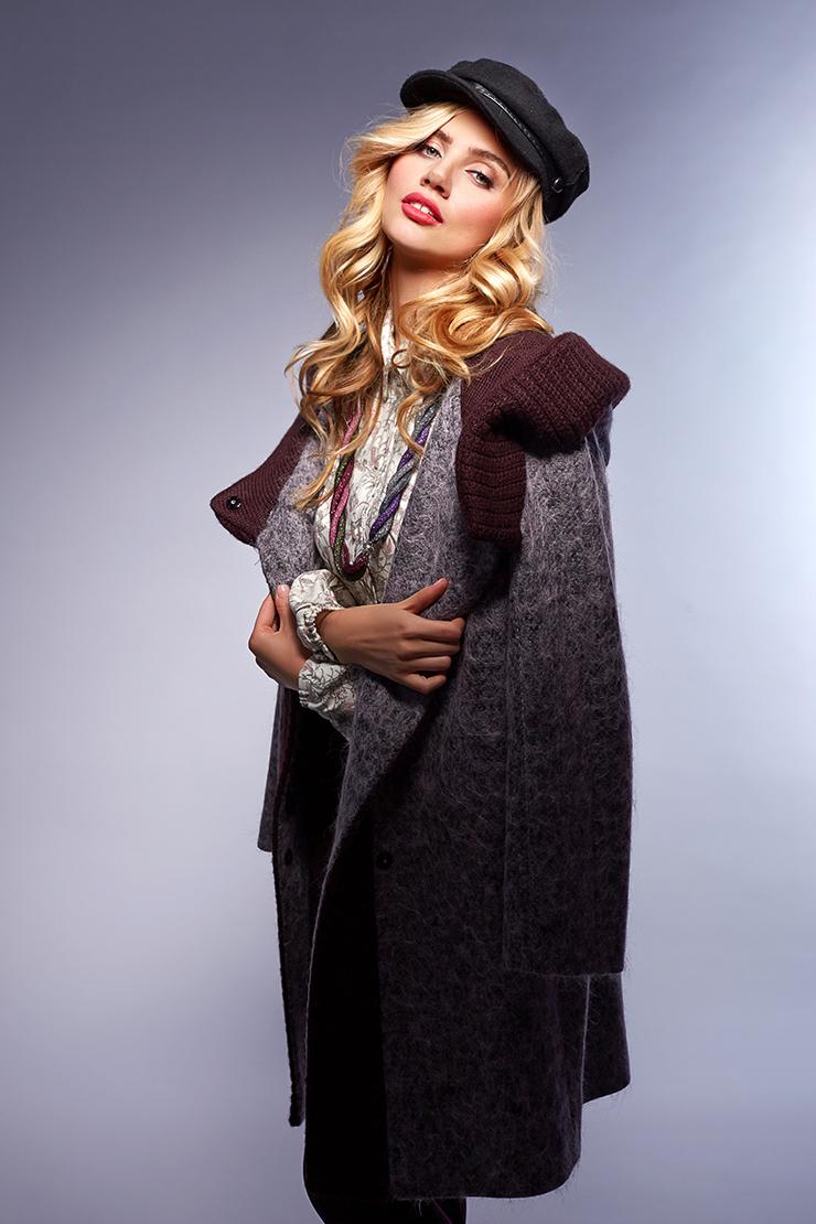 Модное пальто-кардиган с капюшоном Teresa TardiaПальто<br>Модное пальто-кардиган с капюшоном Teresa Tardia<br>Цвет: сиреневый; Размер: 44, 48; Состав: 60% шерсть, 15% п/э, 10% альпака, 10% мохер, 5% п/а; подкладка - 57% вискоза, 43% ацетат; Материал: 60% шерсть, 15% п/э, 10% альпака, 10% мохер, 5% п/а; подкладка - 57% вискоза, 43% ацетат;