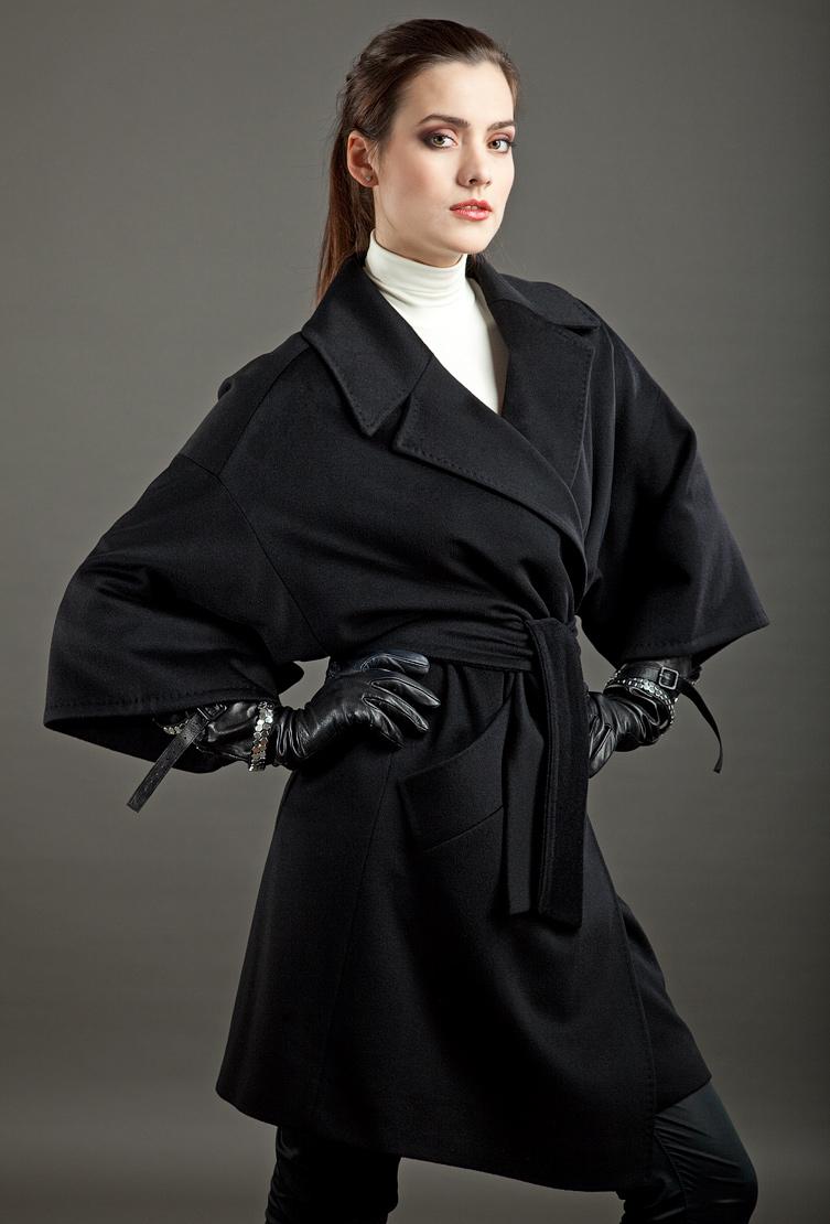 Итальянское пальто-кимоно из шерсти Loro Piana от бренда Teresa Tardia 325136/T05-черный