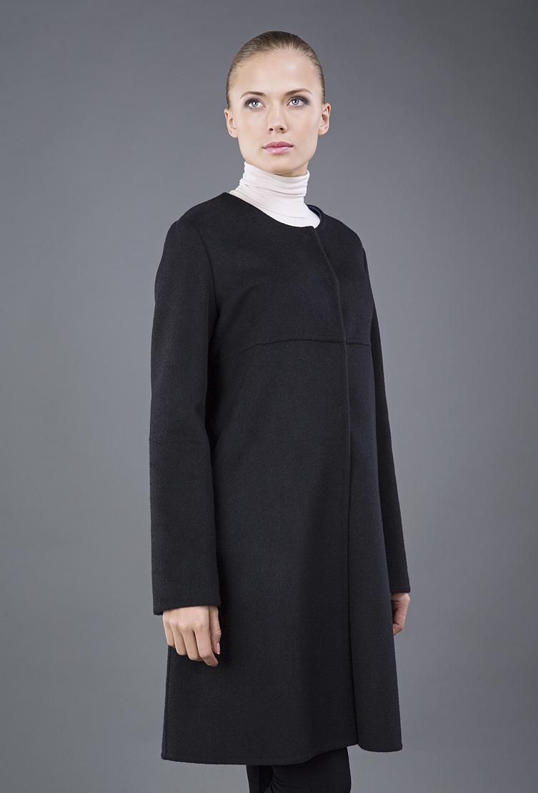 Расклешенное женское пальто средней длиныПальто<br>Расклешенное женское пальто средней длины<br>Цвет: черный; Размер: 46, 48; Состав: 100% шерсть LoroPiana SuperFine, подкладка - 57% вискоза, 43% ацетат; Материал: 100% шерсть LoroPiana SuperFine, подкладка - 57% вискоза, 43% ацетат;