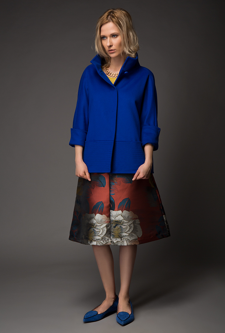 Женское молодежное шерстяное пальто-кокон на маленький ростПальто<br>Женское молодежное шерстяное пальто-кокон на маленький рост<br>Цвет: синий; Размер: 42, 44; Состав: 100% шерсть LoroPiana SuperFine; подкладка - 57% вискоза, 43% ацетат; Материал: 100% шерсть LoroPiana SuperFine; подкладка - 57% вискоза, 43% ацетат;