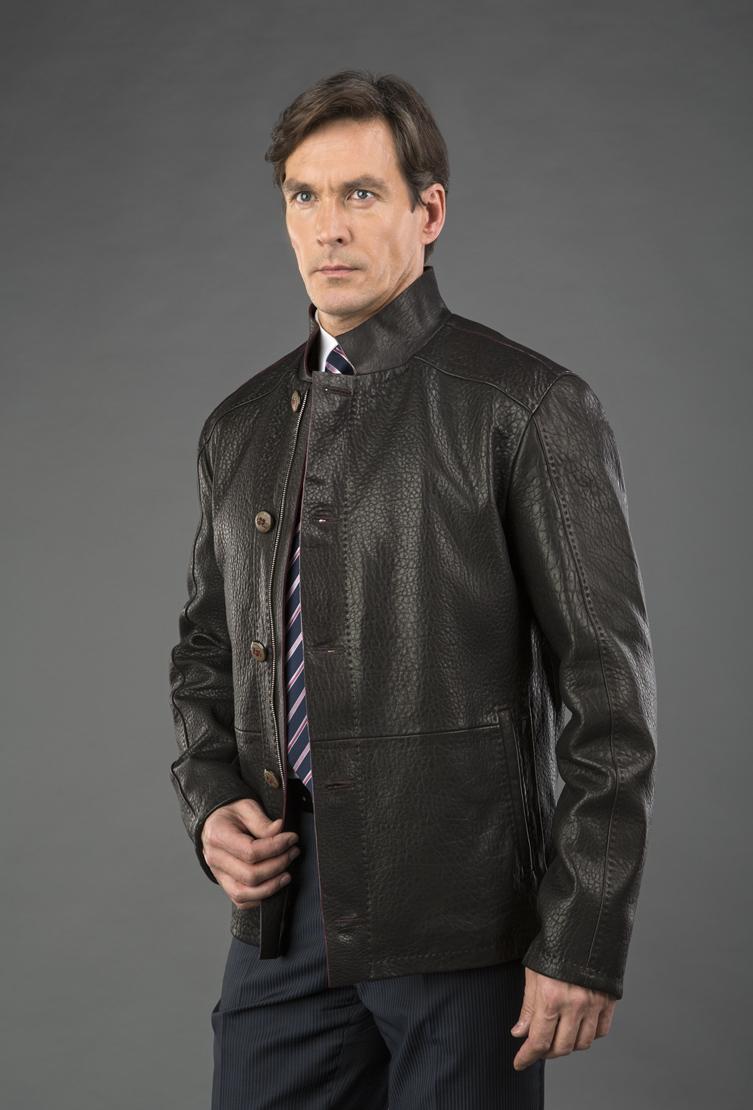 Мужская куртка из натуральной оленьей кожиКуртки<br>Мужская куртка из натуральной оленьей кожи<br>Цвет: коричневый; Размер: 50, 52, 56, 60; Состав: Натуральная оленья кожа; Материал: Натуральная оленья кожа;