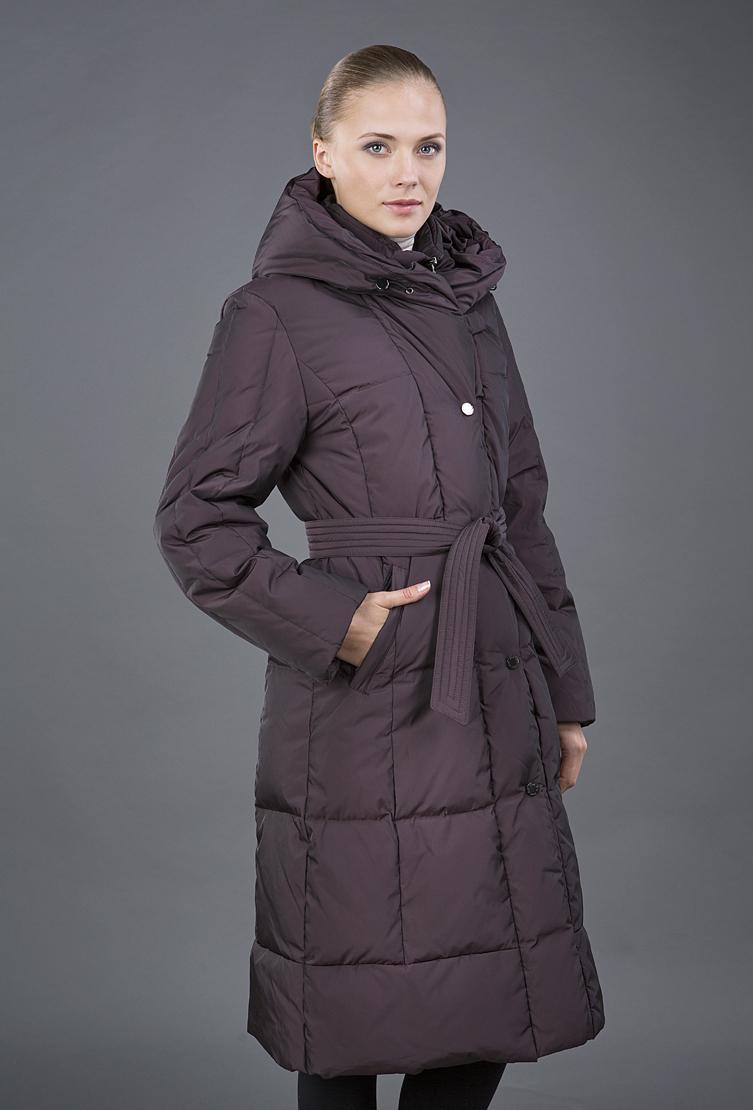Длинное финское пуховое пальто с капюшономПуховики<br>Длинное финское пуховое пальто с капюшоном<br>Цвет: фиолетовый; Размер: 40; Состав: 100% полиэстер, наполнитель 80% пух, 20% перо; Материал: 100% полиэстер, наполнитель 80% пух, 20% перо;