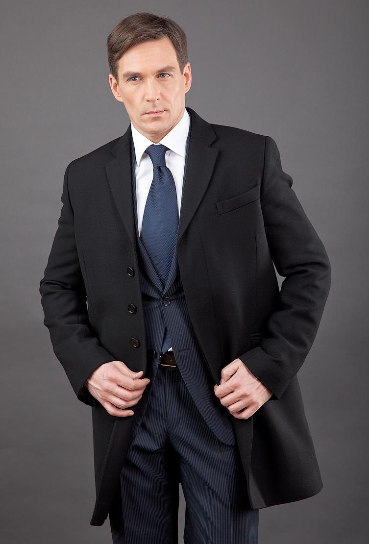 Черное приталенное пальто с английским воротником Teresa Tardia 71020/T28-черный