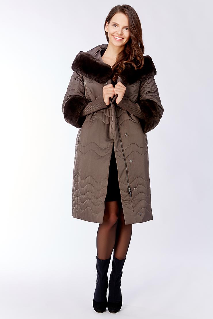Стильное прямое демисезонное пальто с мехом на тинсулейте