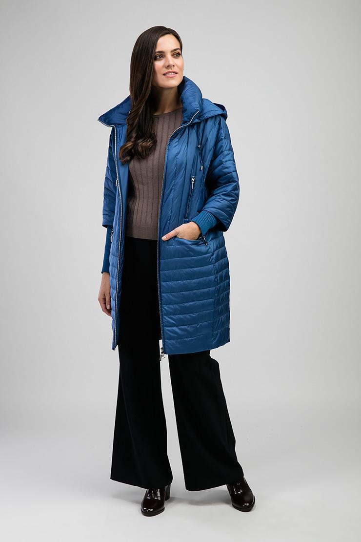 Модное демисезонное стеганое пальто с капюшономПальто<br>Модное демисезонное стеганое пальто с капюшоном<br>Цвет: голубой; Размер: 44, 48; Состав: 100% п/э, подкладка 100% п/э, наполнитель - файбертек; Материал: 100% п/э, подкладка 100% п/э, наполнитель - файбертек;