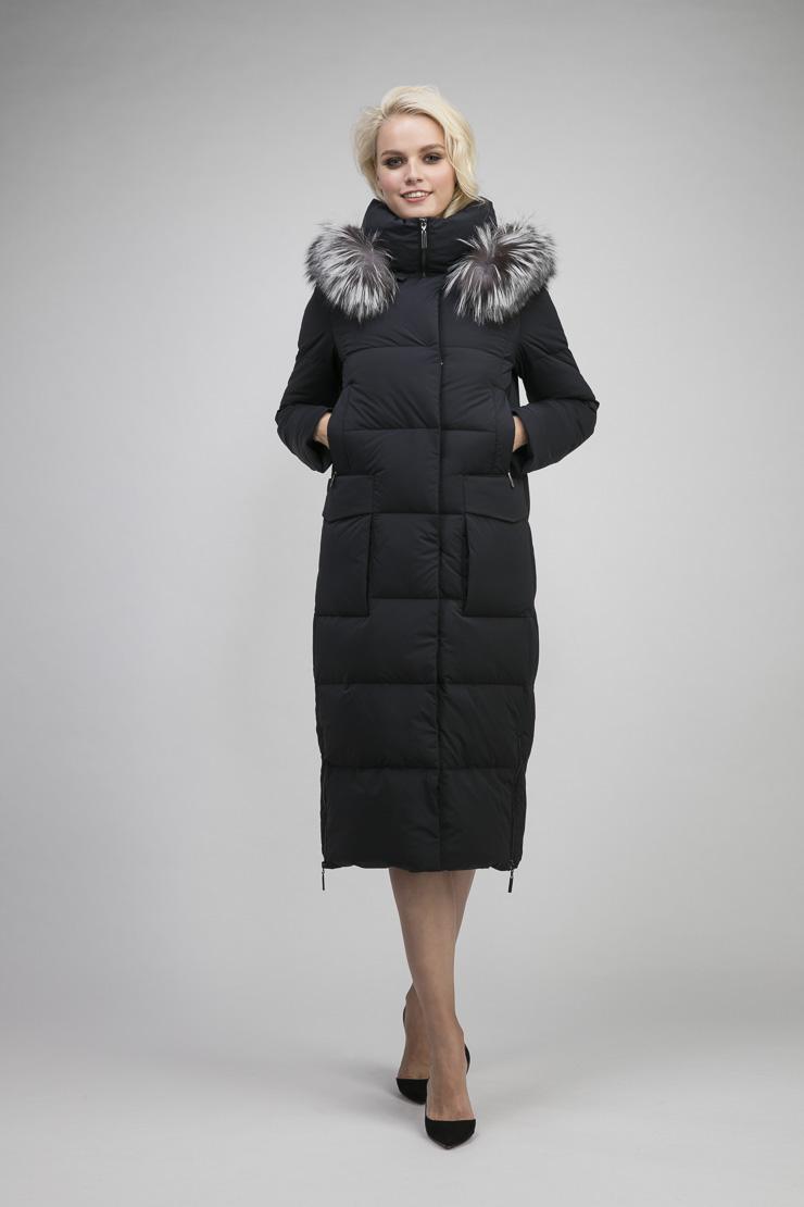 Стильное длинное пуховое пальто с мехом чернобуркиПуховики<br>Стильное длинное пуховое пальто с мехом чернобурки<br>Цвет: синий; Размер: 44, 46, 48, 50, 54, 56; Состав: 100% полиэстер; подкладка-100% п/э; утеплитель-90% пух, 10% перо; меховая отделка-ч/б лиса; Материал: 100% полиэстер; подкладка-100% п/э; утеплитель-90% пух, 10% перо; меховая отделка-ч/б лиса;