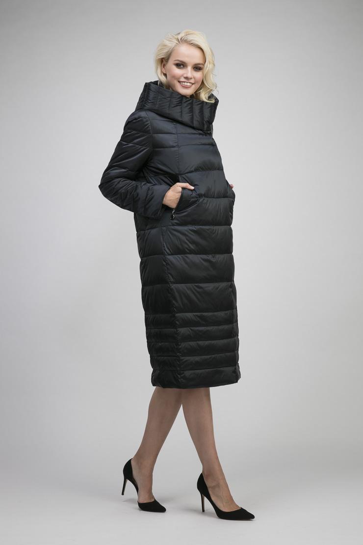 Российское демисезонное стеганое пальто с капюшономПальто<br>Российское демисезонное стеганое пальто с капюшоном<br>Цвет: синий; Размер: 44, 48, 52, 56; Состав: 100% полиэстер; подкладка- 100% вискоза; утеплитель-файбертек; Материал: 100% полиэстер; подкладка- 100% вискоза; утеплитель-файбертек;