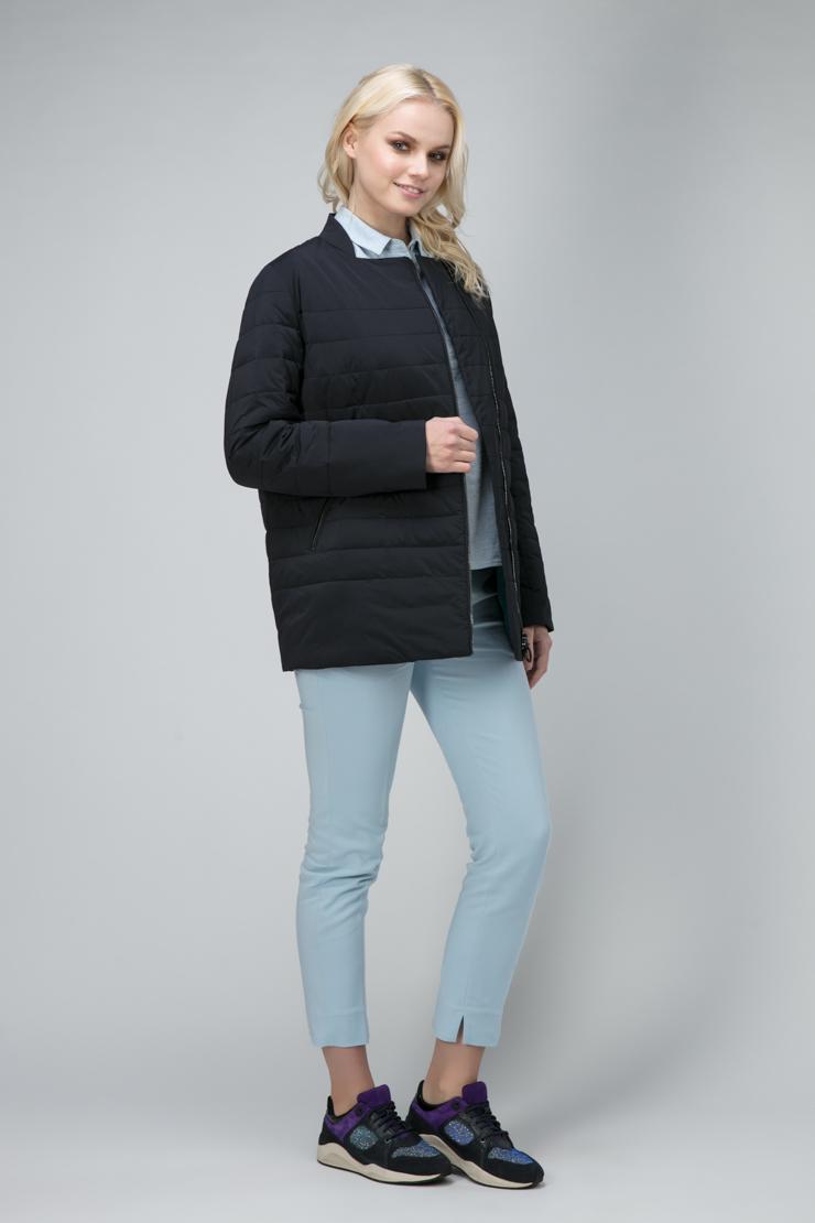 Короткая женская куртка на молнии