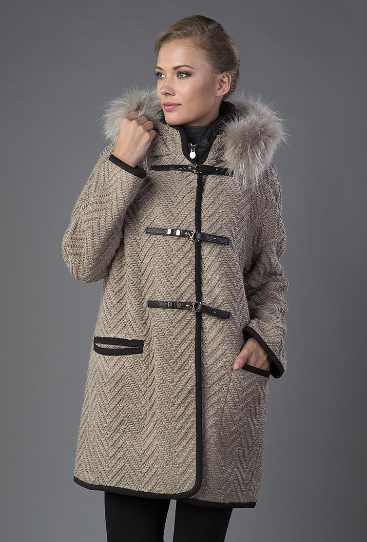 Модное осеннее женское пальто фото