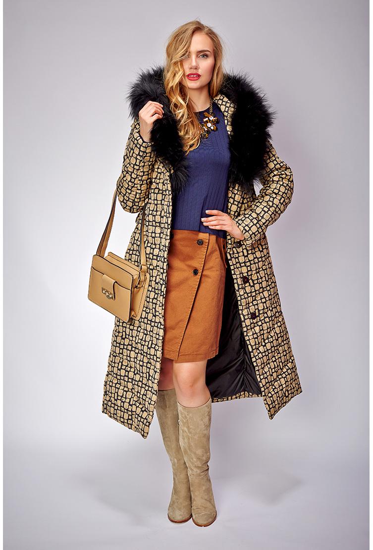 Длинное пальто на пуху с отделкой из меха чернобурки. Производитель: Visconf/Violanti, артикул: 14404