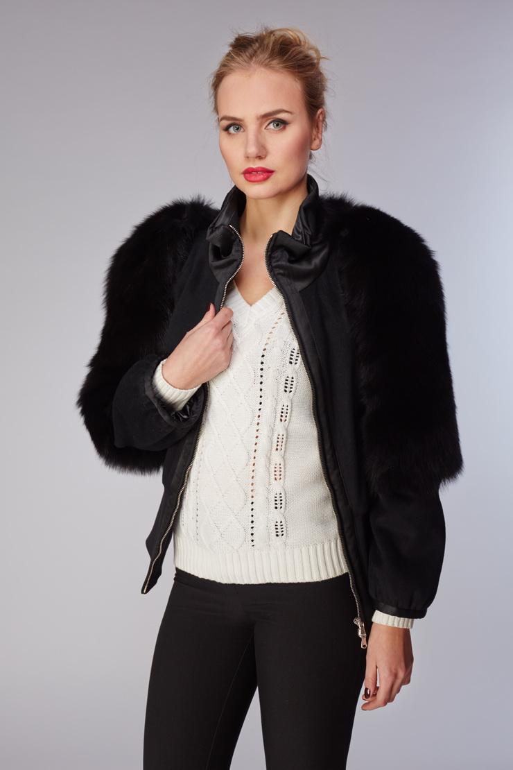 Куртка для миниатюрных девушек с мехом лисыКуртки<br>Куртка для миниатюрных девушек с мехом лисы<br>Цвет: черный; Размер: 42; Состав: Ткань 100% шерсть; мех - лиса натуральная; Материал: Ткань 100% шерсть; мех - лиса натуральная;