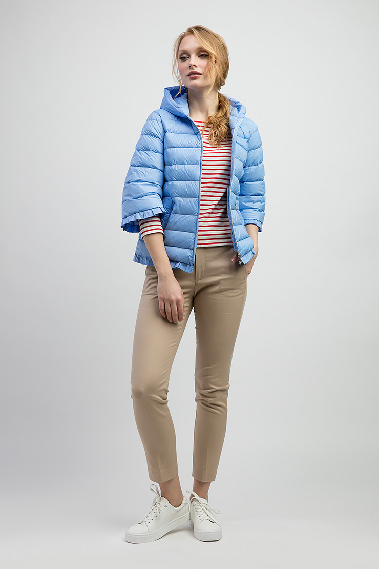 Пуховая женская стеганая куртка с рукавом 3/4 и капюшоном