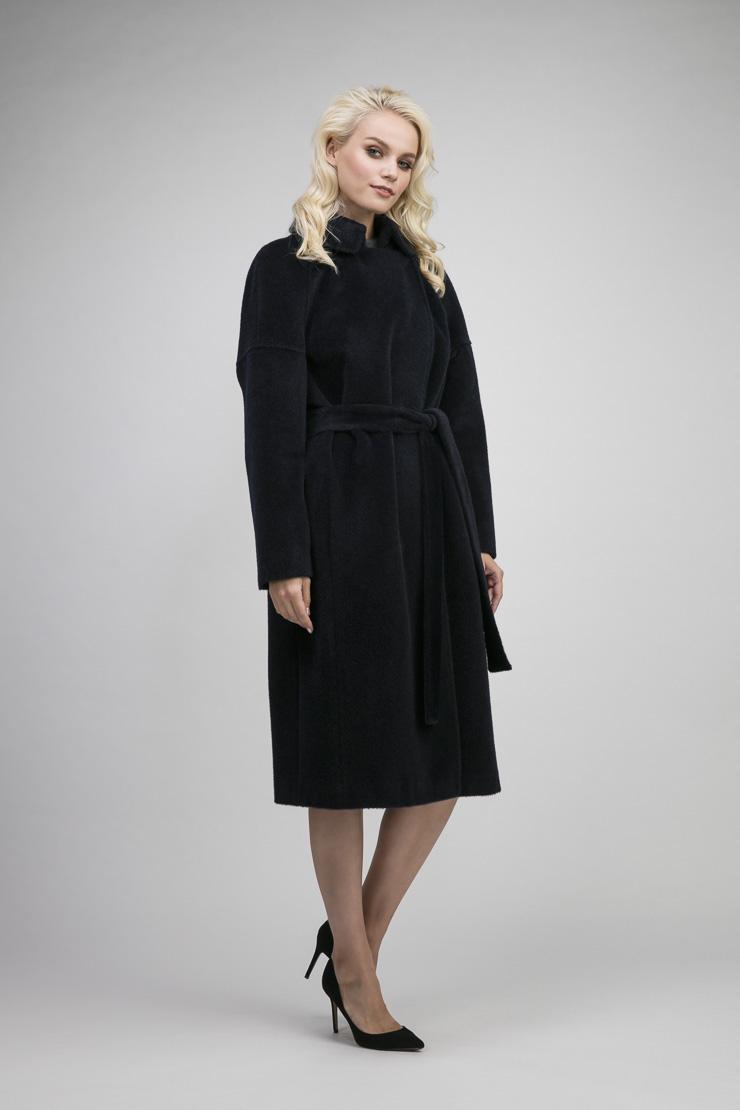 Длинное пальто на большой размер из альпака сури фото