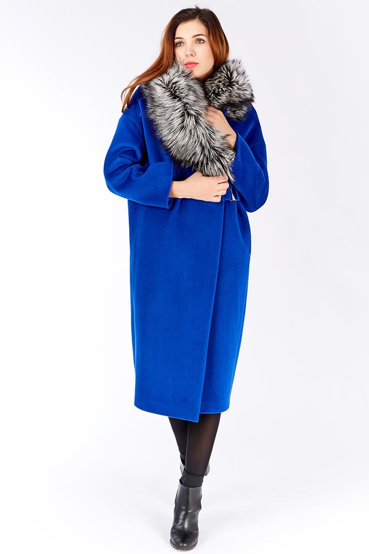 Шерстяное пальто на зиму с меховым воротникомПальто<br>Шерстяное пальто на зиму с меховым воротником<br>Цвет: васильковый; Размер: 42, 44, 46, 48, 50, 54; Состав: 89%шерсть,4%бамбук,7%шелк;52%вискоза,48%п/э;утеплитель-80%шерсть; меховая отделка -ч/б лиса; Материал: 89%шерсть,4%бамбук,7%шелк;52%вискоза,48%п/э;утеплитель-80%шерсть; меховая отделка -ч/б лиса;