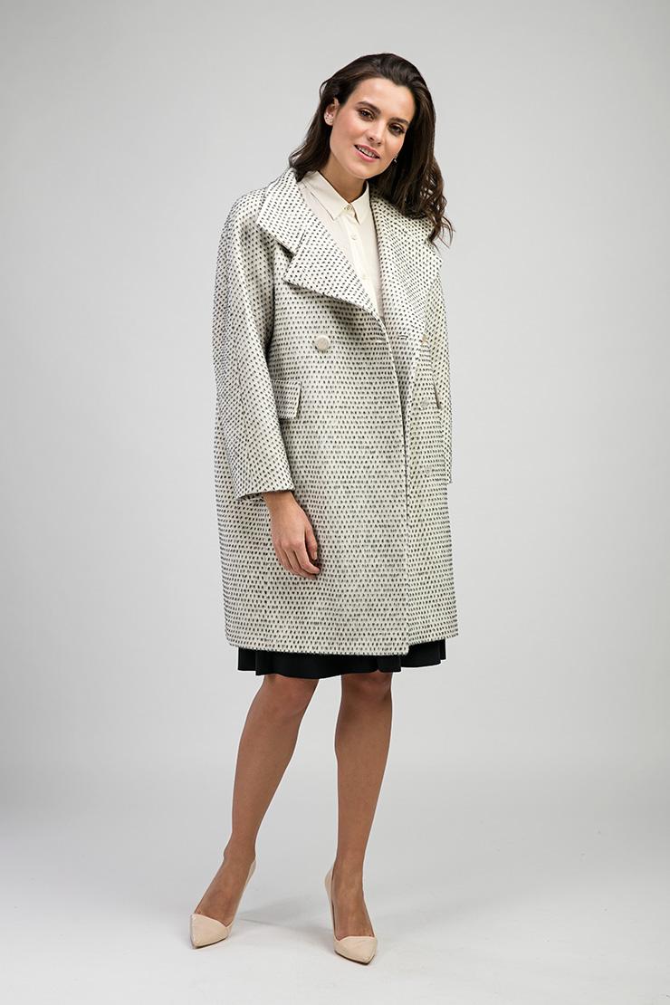 Женское двубортное пальто из альпака российского производства фото