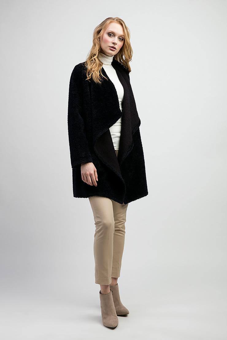 Женское пальто из альпака российского производстваПальто<br>Женское пальто из альпака российского производства<br>Цвет: темно-синий; Размер: 42, 44, 48, 50; Состав: 52% альпака, 48% шерсть; подкладка - 55% вискоза, 45% полиэстер; Материал: 52% альпака, 48% шерсть; подкладка - 55% вискоза, 45% полиэстер;