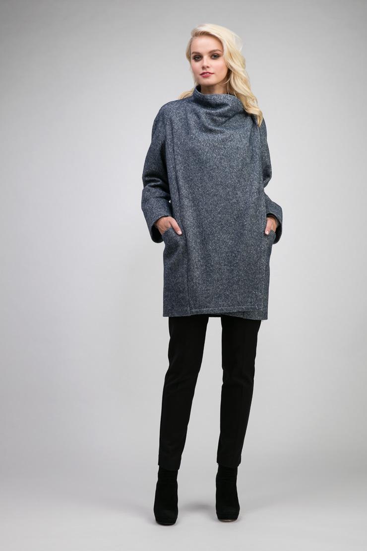 Лёгкое весеннее короткое пальто из шерсти и ангоры на маленький ростПальто<br>Лёгкое весеннее короткое пальто из шерсти и ангоры на маленький рост<br>Цвет: джинсовый синий; Размер: 42, 44, 46, 48; Состав: 50% - ангора, 50% -  шерсть; подкладка - 55% вискоза, 45% п/э; Материал: 50% - ангора, 50% -  шерсть; подкладка - 55% вискоза, 45% п/э;