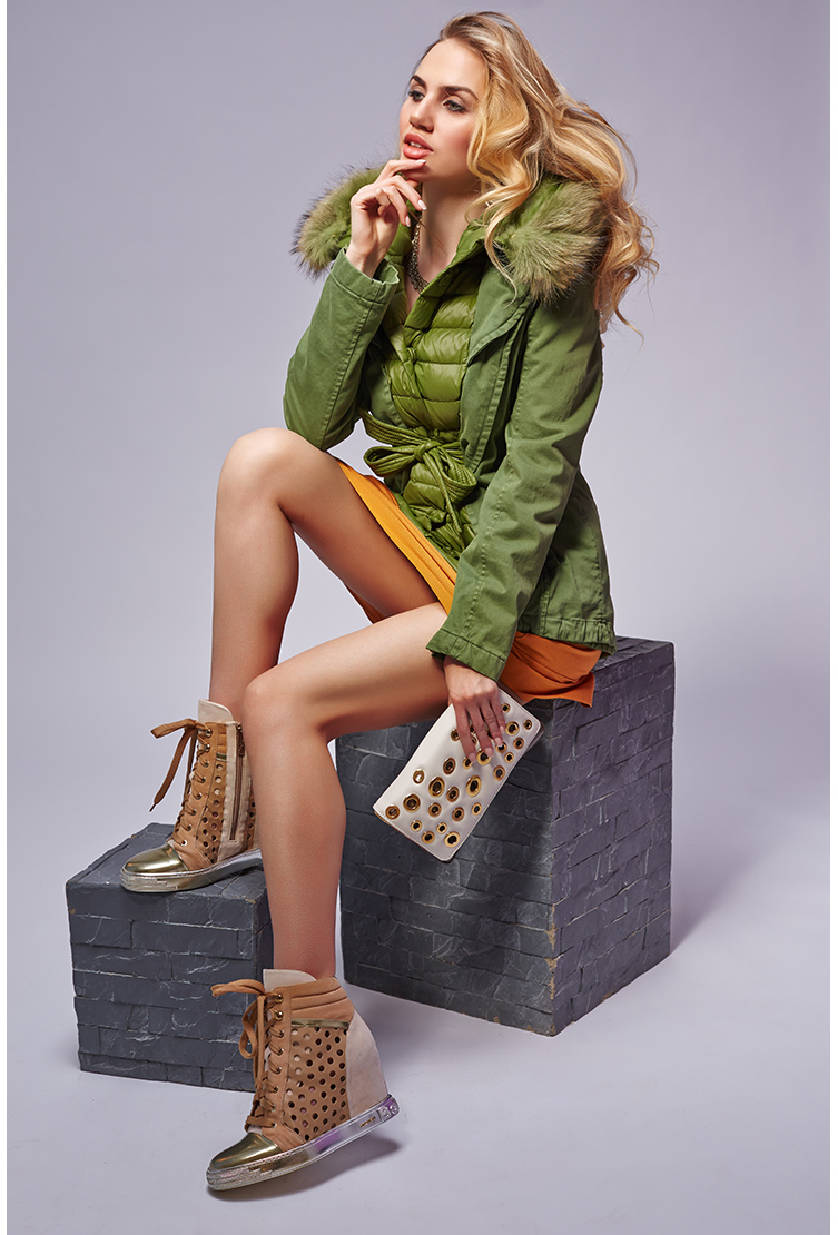Теплая пуховая куртка зеленого цвета с эффектом многослойности. Производитель: Visconf/Violanti, артикул: 16930