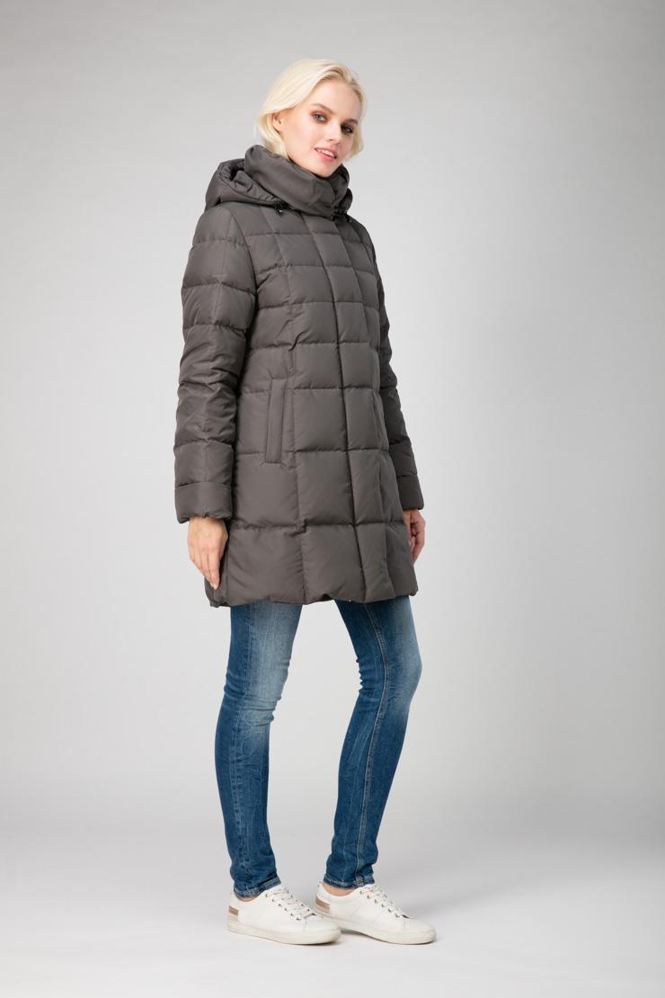 Зимний пуховик для женщин JoutsenПальто<br>Зимний пуховик для женщин Joutsen<br>Цвет: хаки; Размер: 46, 48, 50, 52, 54; Состав: 100% полиэстер, подкладка - 61% полиэстер, 39% полиамид, наполнитель - пух арктических гусей  (EN 12934); Материал: 100% полиэстер, подкладка - 61% полиэстер, 39% полиамид, наполнитель - пух арктических гусей  (EN 12934);