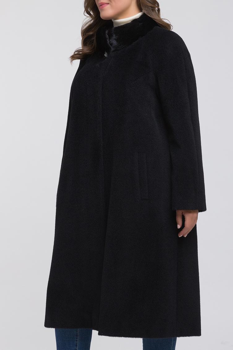 Классическое пальто из альпака с меховым воротником фото