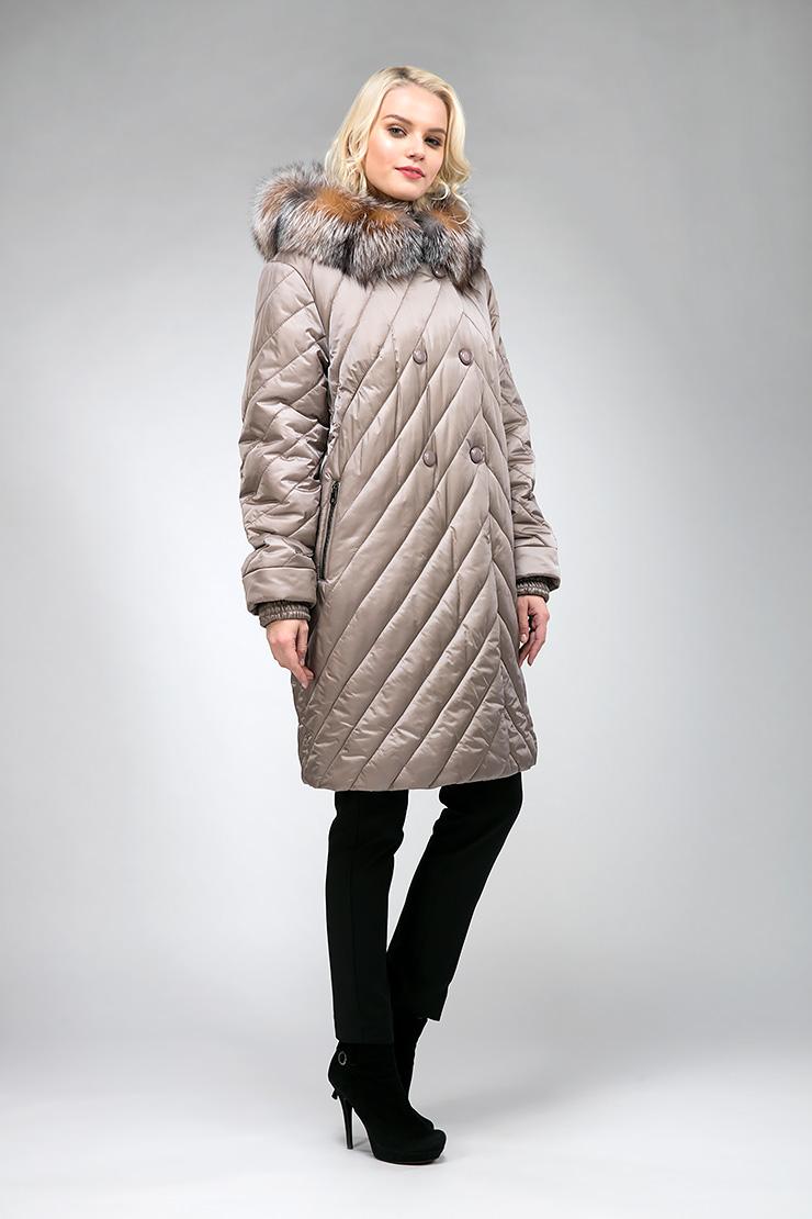 Демисезонное утепленное женское пальто средней длиныПальто<br>Демисезонное утепленное женское пальто средней длины<br>Цвет: кофейный; Размер: 46, 48, 50, 52; Состав: 100% п/э; подкладка 100% п/э; утеплитель - изософт; меховая отделка - лиса; Материал: 100% п/э; подкладка 100% п/э; утеплитель - изософт; меховая отделка - лиса;