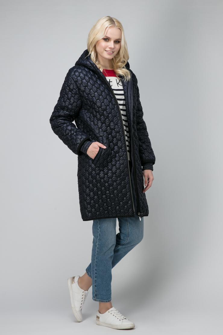 Женская утепленная длинная куртка с капюшономКуртки<br>Женская утепленная длинная куртка с капюшоном<br>Цвет: синий; Размер: 48, 50, 52, 54, 56, 58; Состав: 80% п/э, 20% п/а; подкладка 100% п/э; утеплитель - изософт; Материал: 80% п/э, 20% п/а; подкладка 100% п/э; утеплитель - изософт;