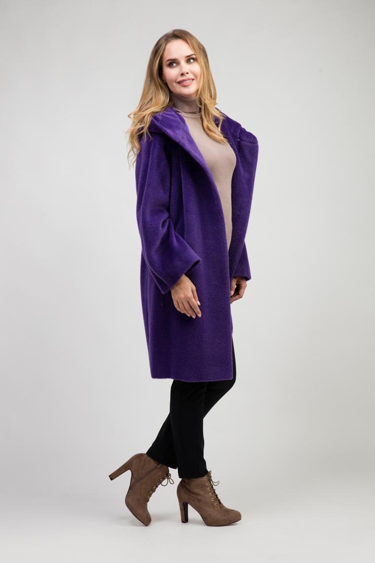 Женское пальто кокон с капюшоном из сури альпакаПальто<br>Женское пальто кокон с капюшоном из сури альпака<br>Цвет: фиолетовый; Размер: 44, 48, 52; Состав: 75% Suri alpaca (сури альпака) 25% шерсть;  подкладка - 100% вискоза;; Материал: 75% Suri alpaca (сури альпака) 25% шерсть;  подкладка - 100% вискоза;;