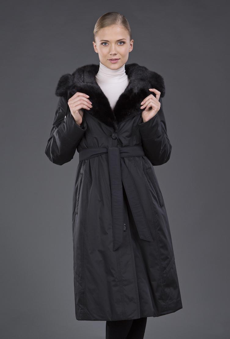 Пальто на кроличьей подстежке с меховым воротникомПальто<br>Пальто на кроличьей подстежке с меховым воротником<br>Цвет: темно-синий; Размер: 54, 56; Состав: 100% п/э, меховая подстежка - кролик, меховая отделка - норка; Материал: 100% п/э, меховая подстежка - кролик, меховая отделка - норка;