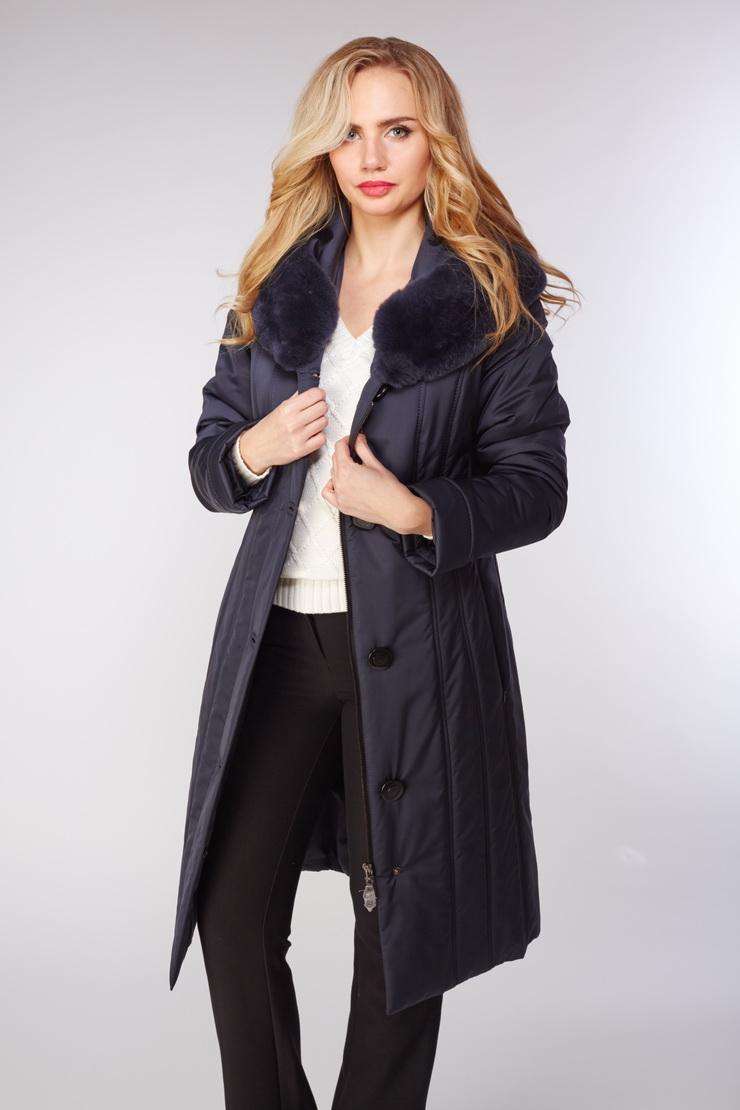 Женское болоневое пальто на тинсулейтеПальто<br>Женское болоневое пальто на тинсулейте<br>Цвет: синий; Размер: 44; Состав: 100% п/э; . наполнитель - thinsulate; меховая отделка - кролик рекс; Материал: 100% п/э; . наполнитель - thinsulate; меховая отделка - кролик рекс;
