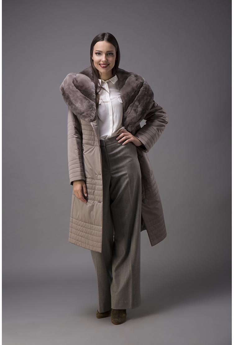 Длинное женское пальто на тинсулейте с мехомПальто<br>Длинное женское пальто на тинсулейте с мехом<br>Цвет: бежевый; Размер: 42, 48, 52, 54; Состав: 100% п/э; . наполнитель - thinsulate; меховая отделка - кролик рекс; Материал: 100% п/э; . наполнитель - thinsulate; меховая отделка - кролик рекс;